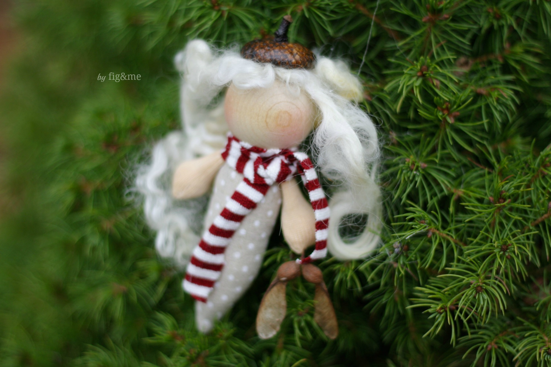 My first giveaway elf, by Fig and me.
