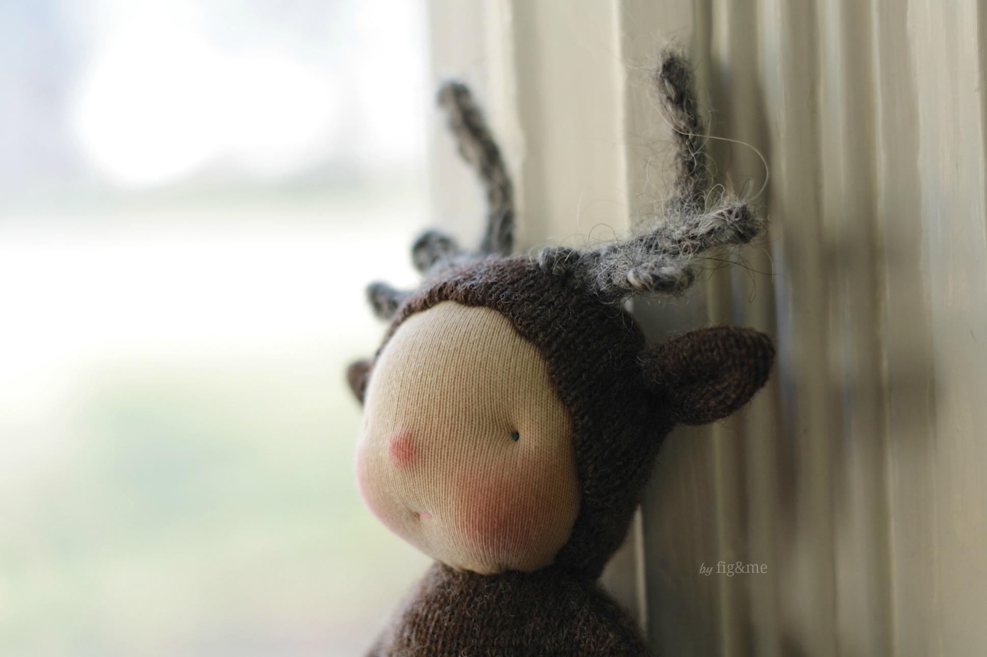 Wee Baby Reindeer made of wool, by Fig&me.
