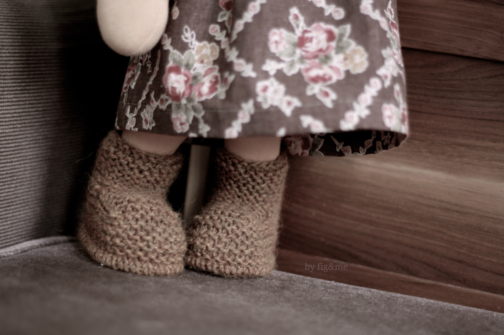 Knitted doll boots by Fig&me