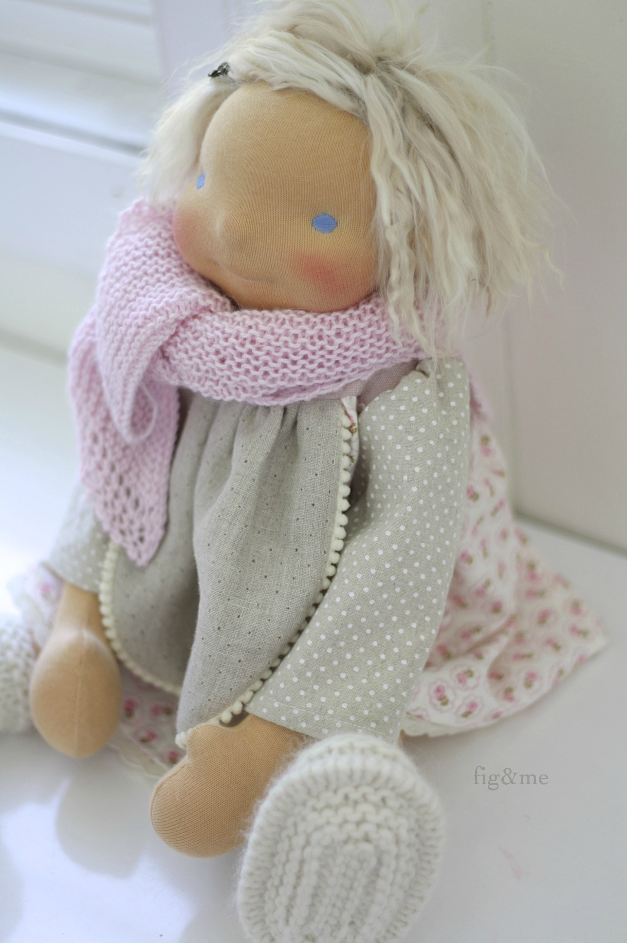 Dressed in linen, silk, alpaca, wool and cotton. By Fig&me
