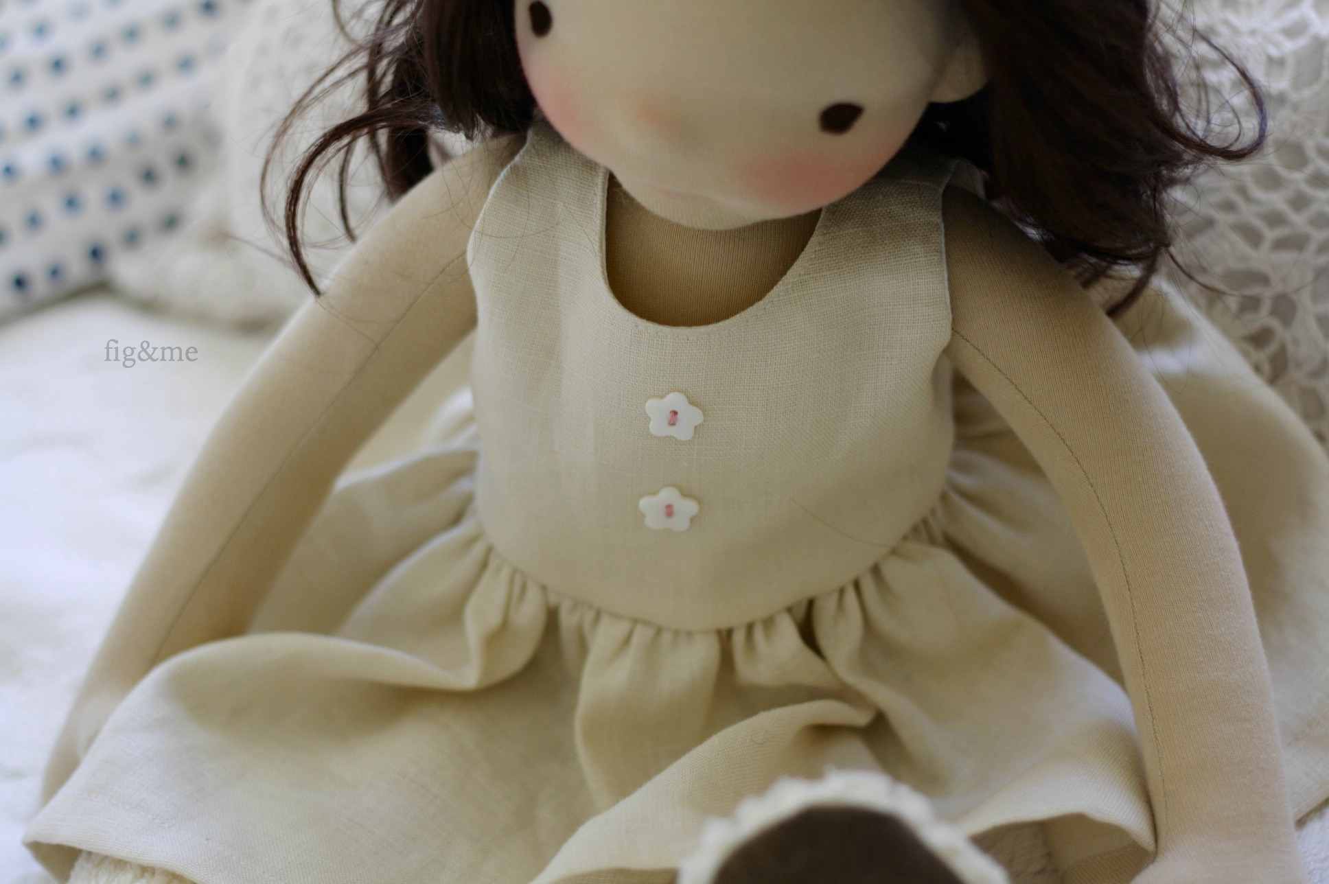 linen dress by fig and me.