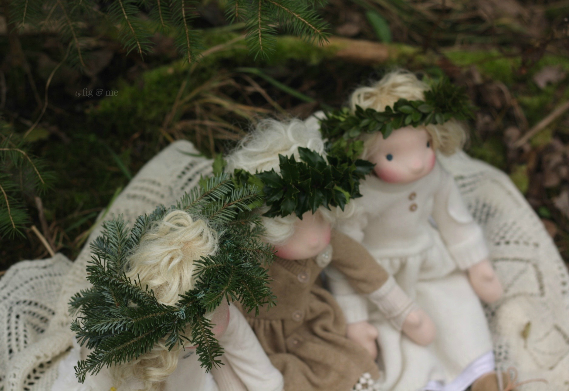 Little winter crowns, by Fig and Me.