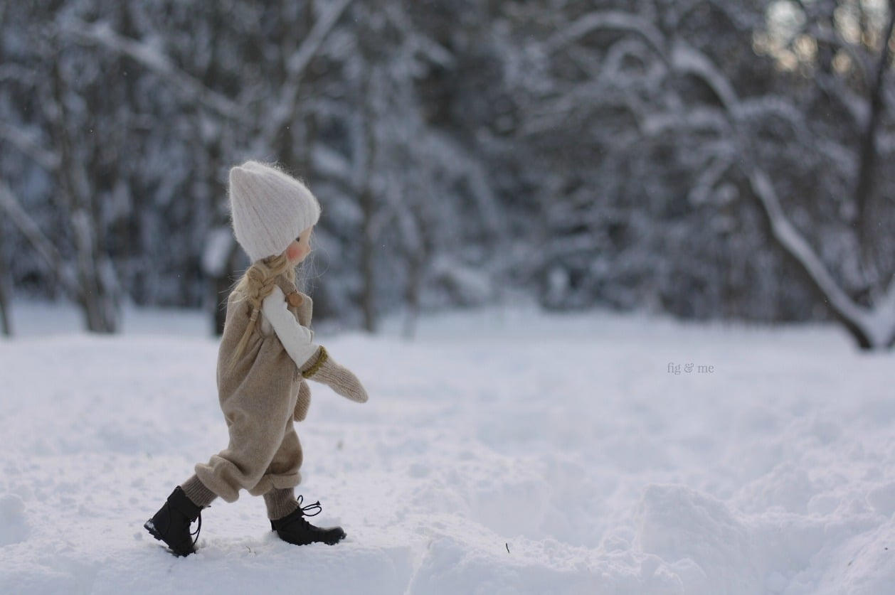 Nova going out for a walk, a natural fiber art doll, Mannikin style by Fig and me.