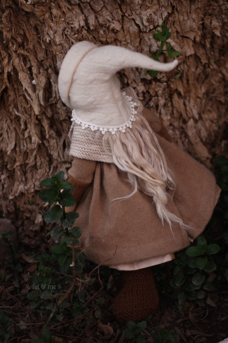 Anwen, hiding behind a tree. By Fig and Me.