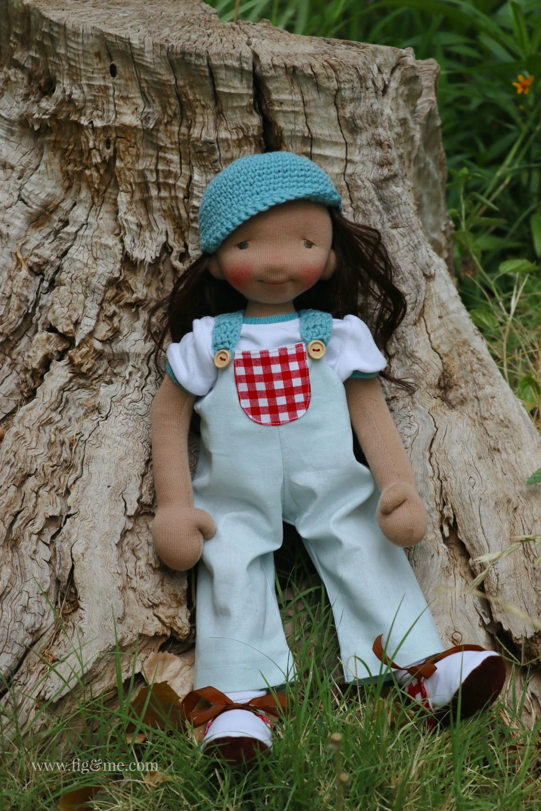 Eileen, a cloth doll made of all-natural materials. By Fig and Me.