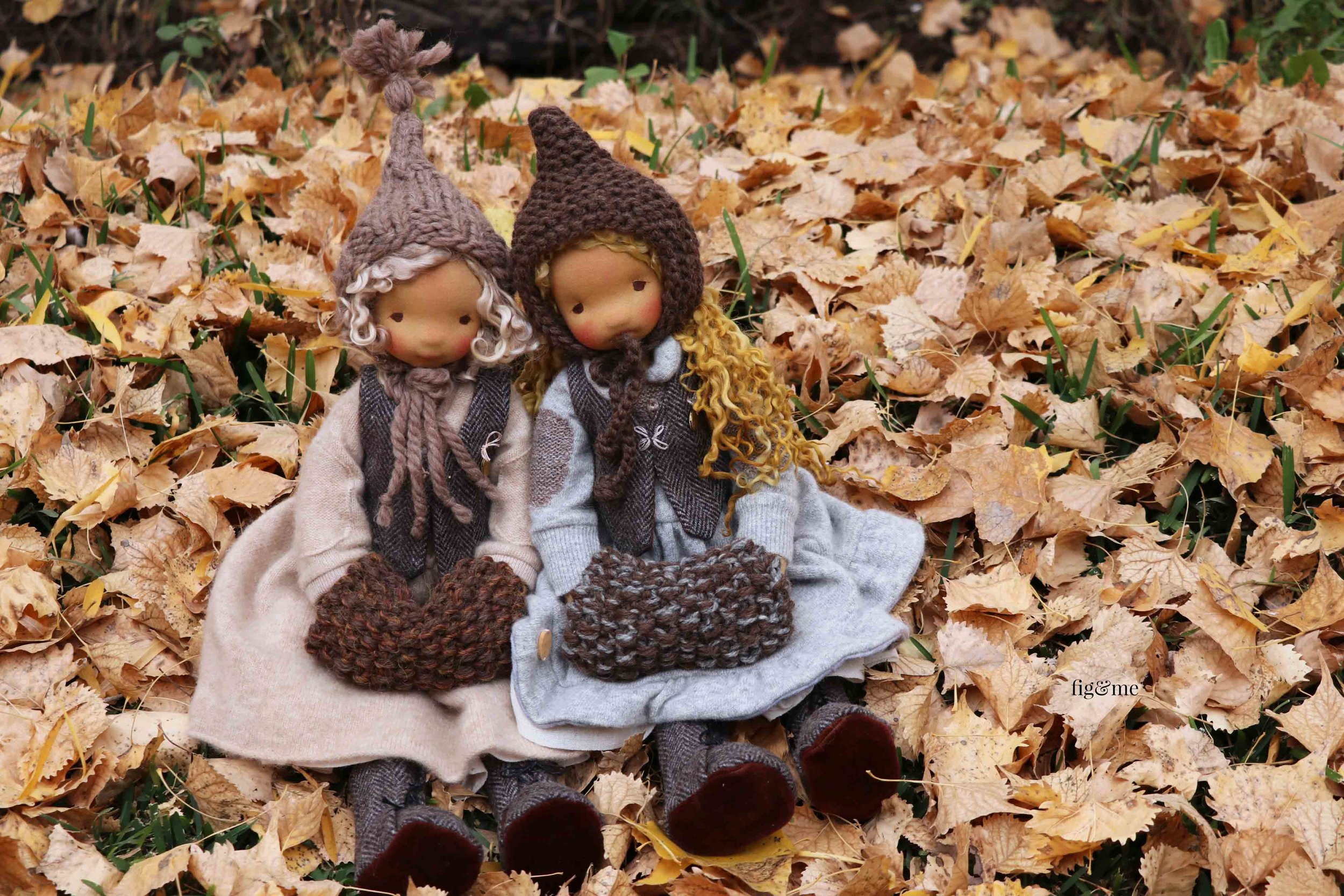 Little Winter and Little Mori, two natural fiber art dolls by fig and me.