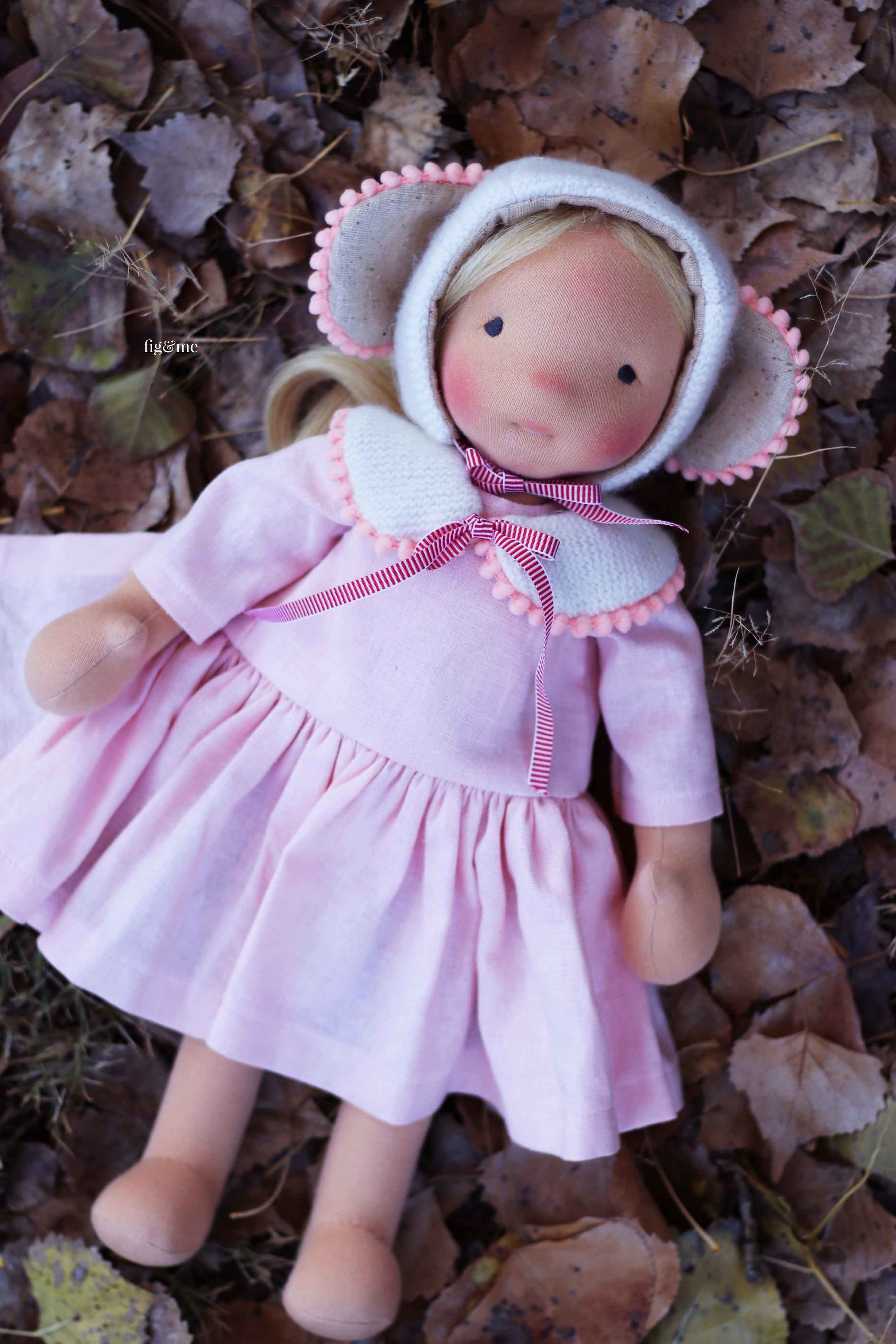 Amber, a natural fiber art doll by Fig and Me. #dollmaking #clothdolls