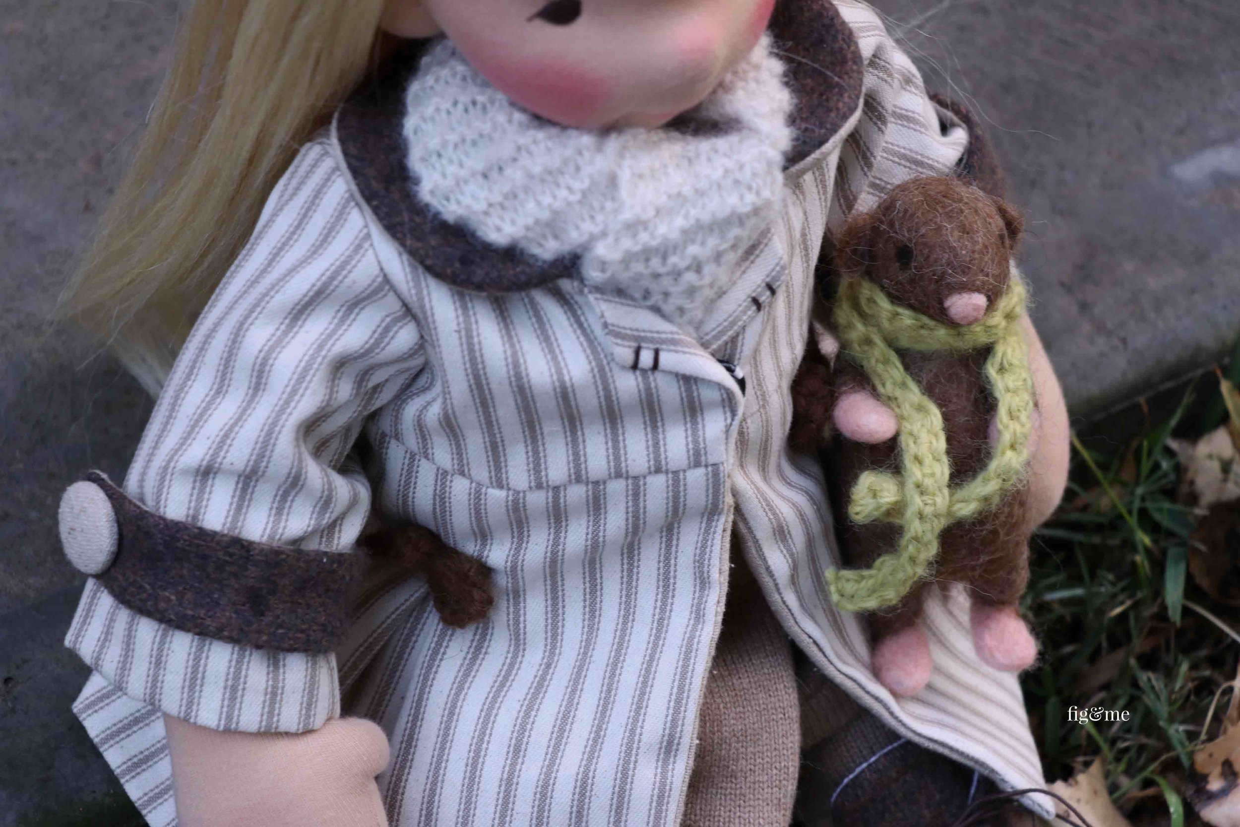 Aspen, caring for her little rat (named Twig) and wearing her twill coat. By Fig and Me.