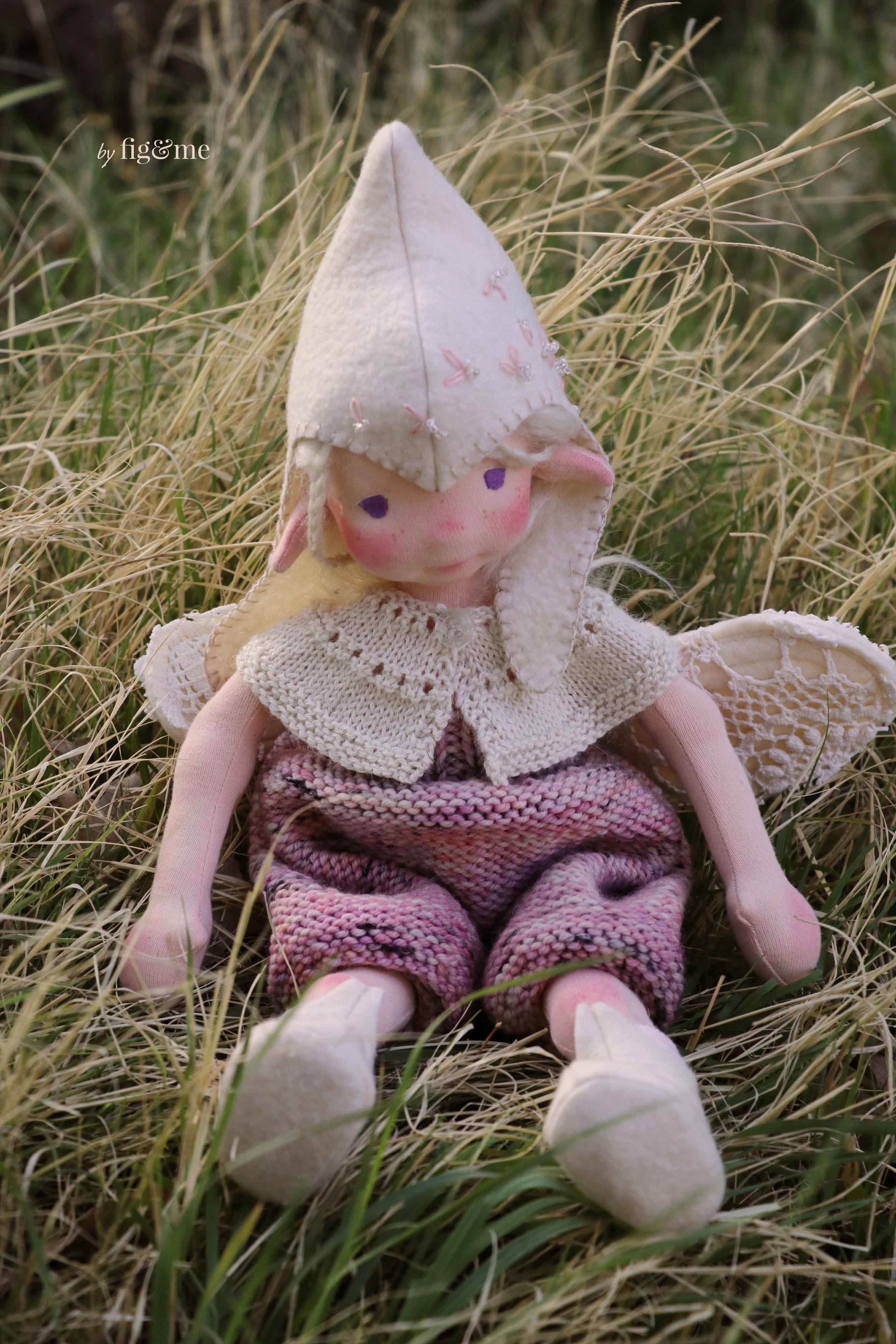 Natural fiber art doll Maedhbhina, by Fig and me.