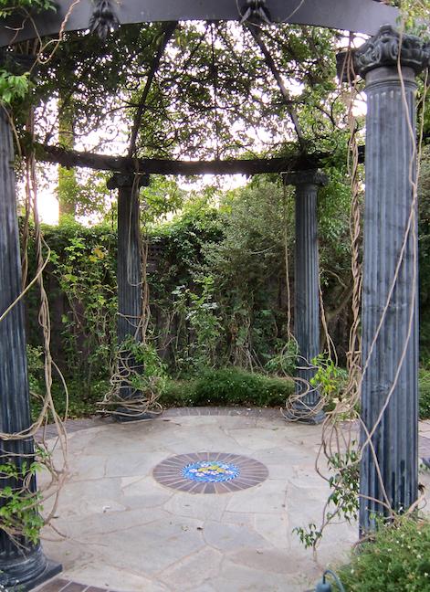 Glass garden inset installed