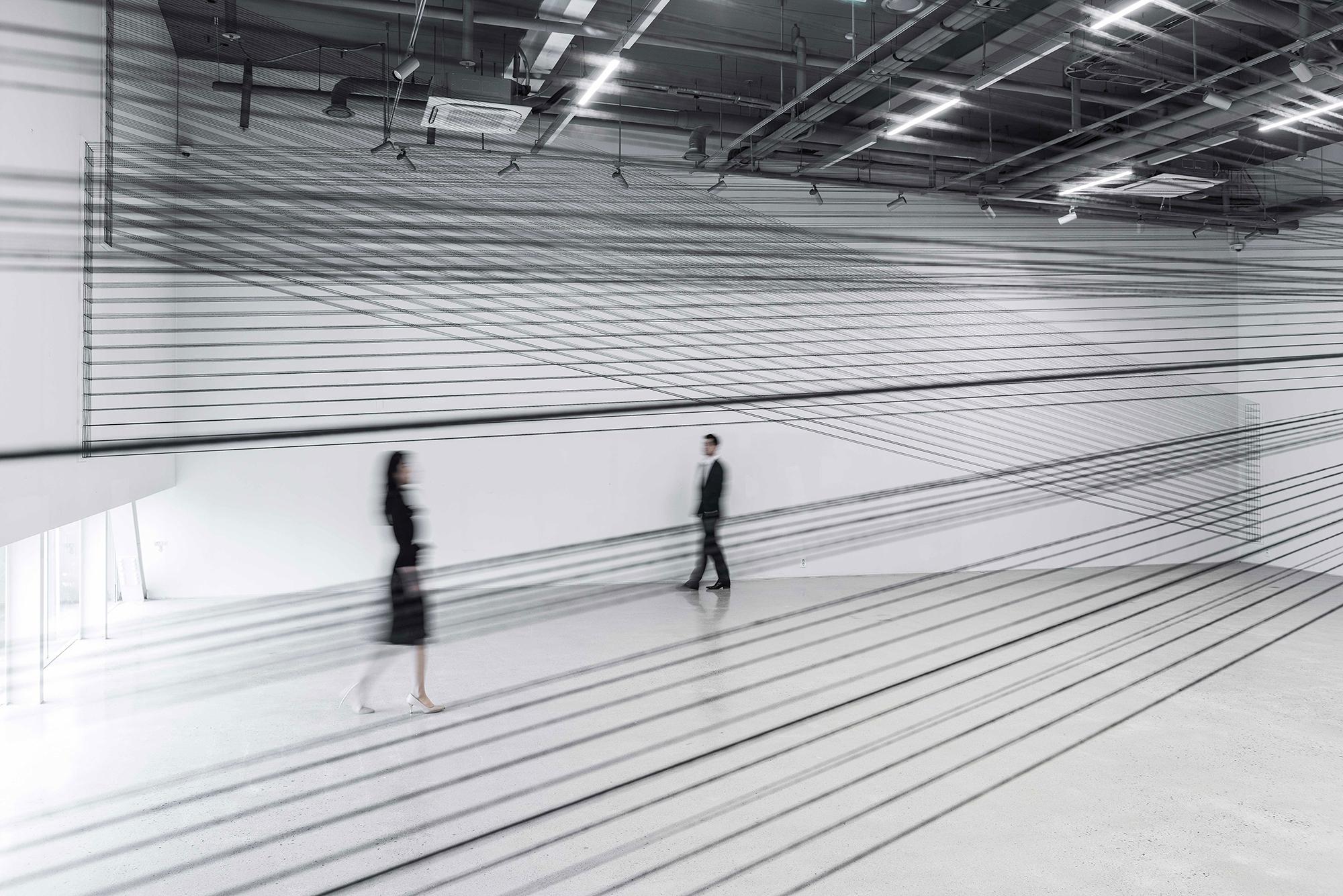001.EunHyeKang_Passage_Cotton-yarn_Site-specific-installation_2017.jpg