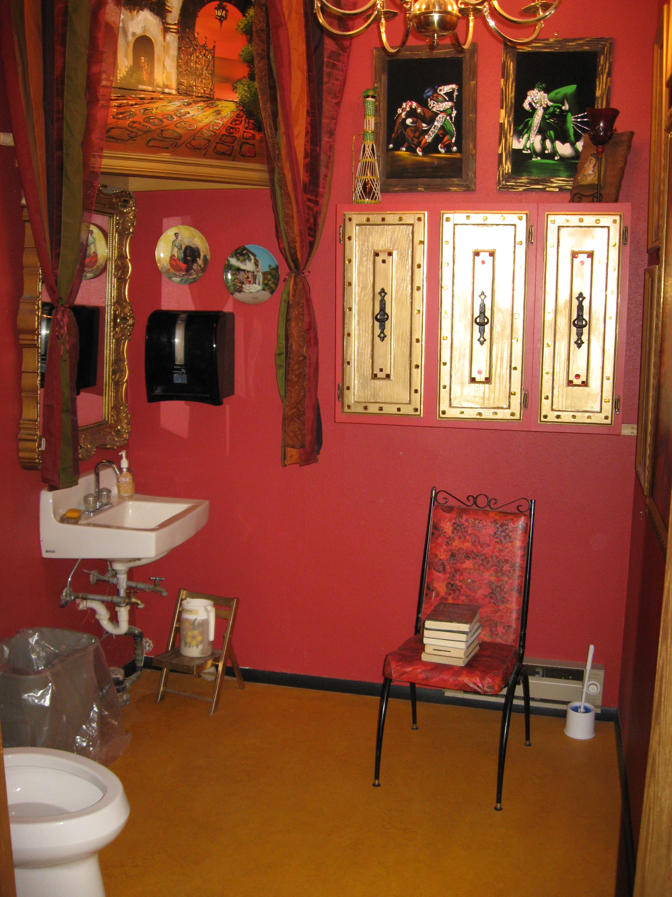 Found this amazing washroom in a thrift store when we decided to get off the interstate highway and check out Livingston Montana. Also got some great books at the thrift store.