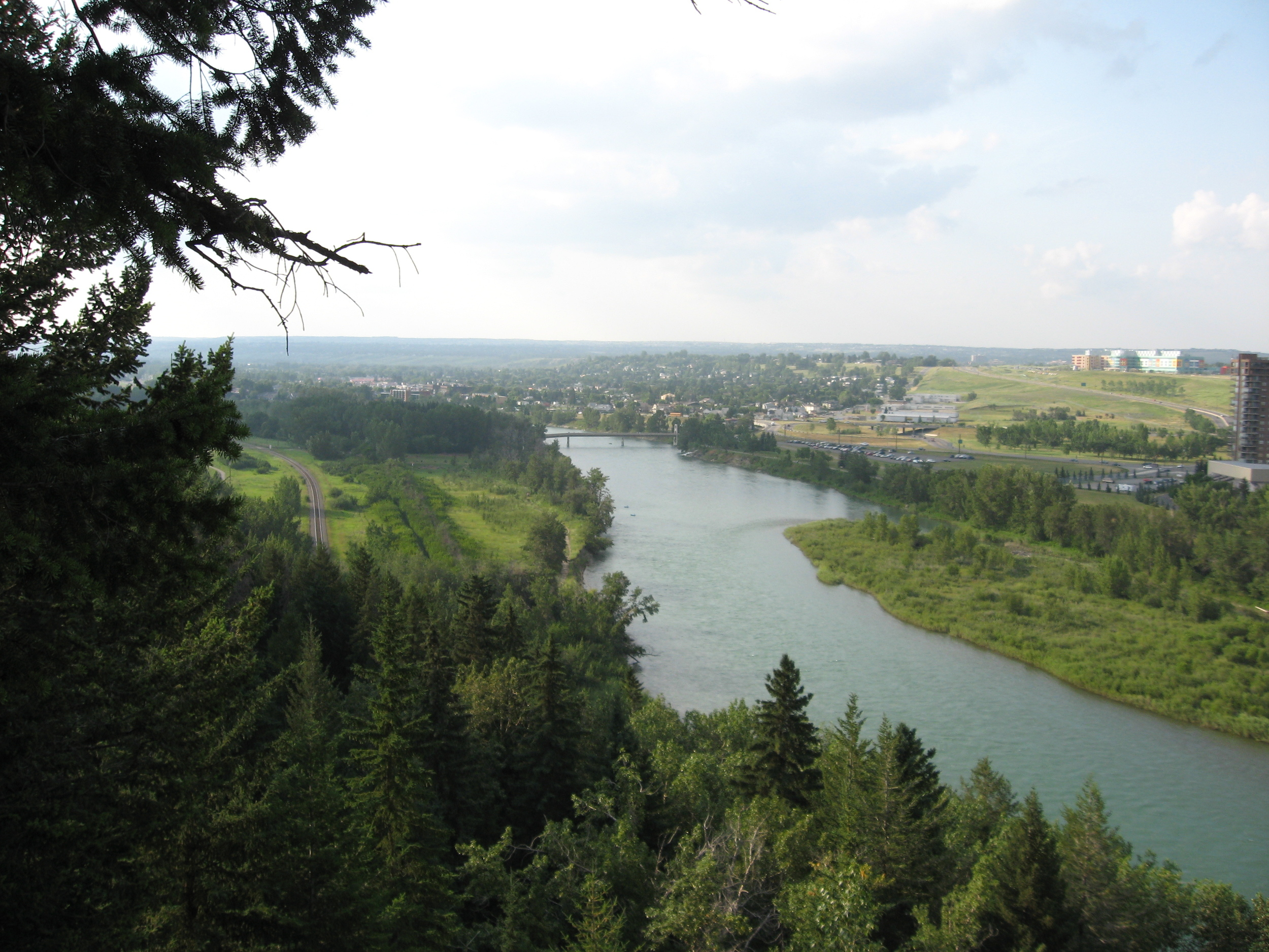 The Douglas Fir trail climbs up the escarpment created by the Bow River, offering spectacular views of the river valley west.