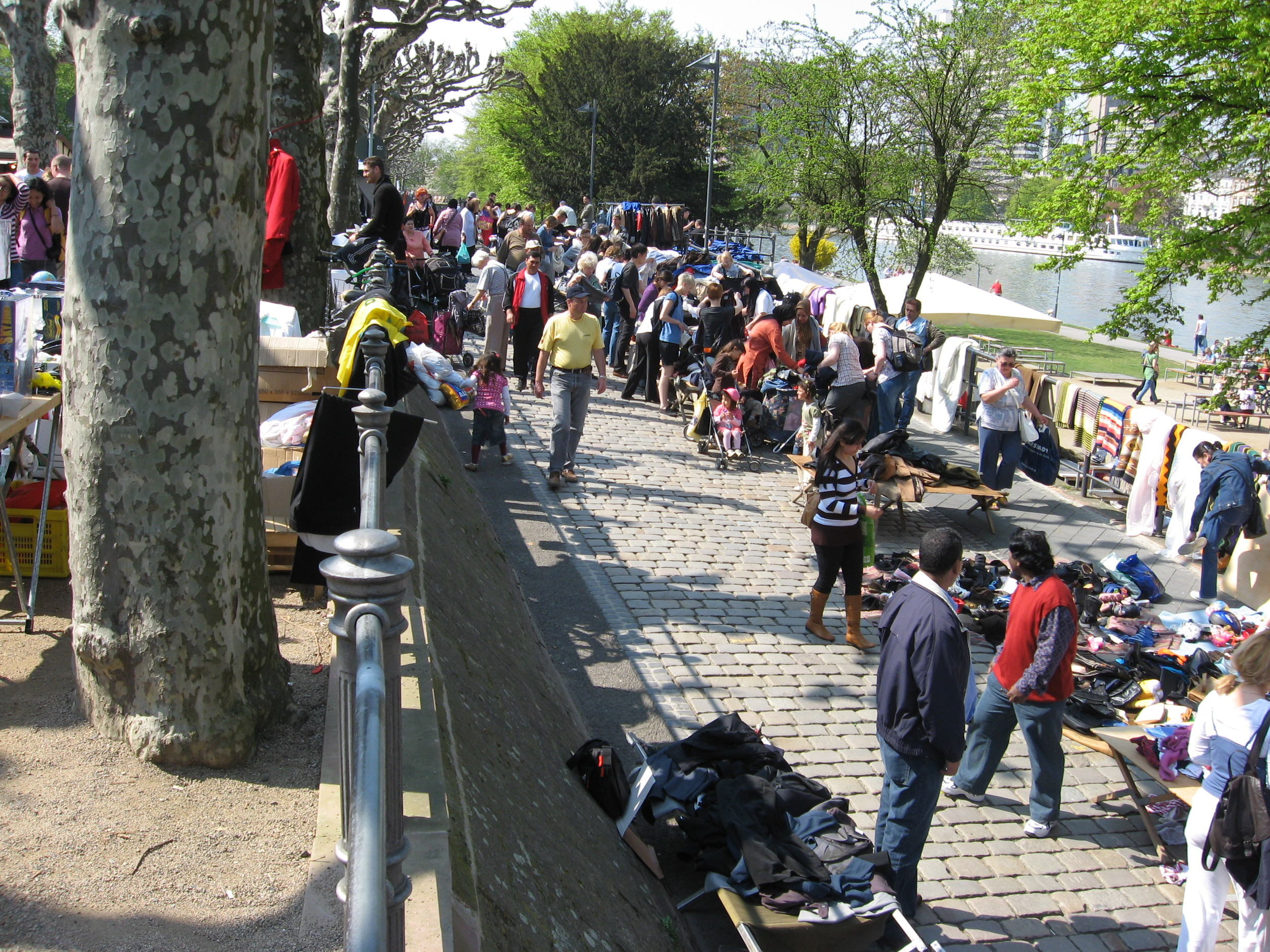 Frankfurt's Saturday flea market happens year round on a long linear plaza along the river.  It attracts thousands of people downtown.