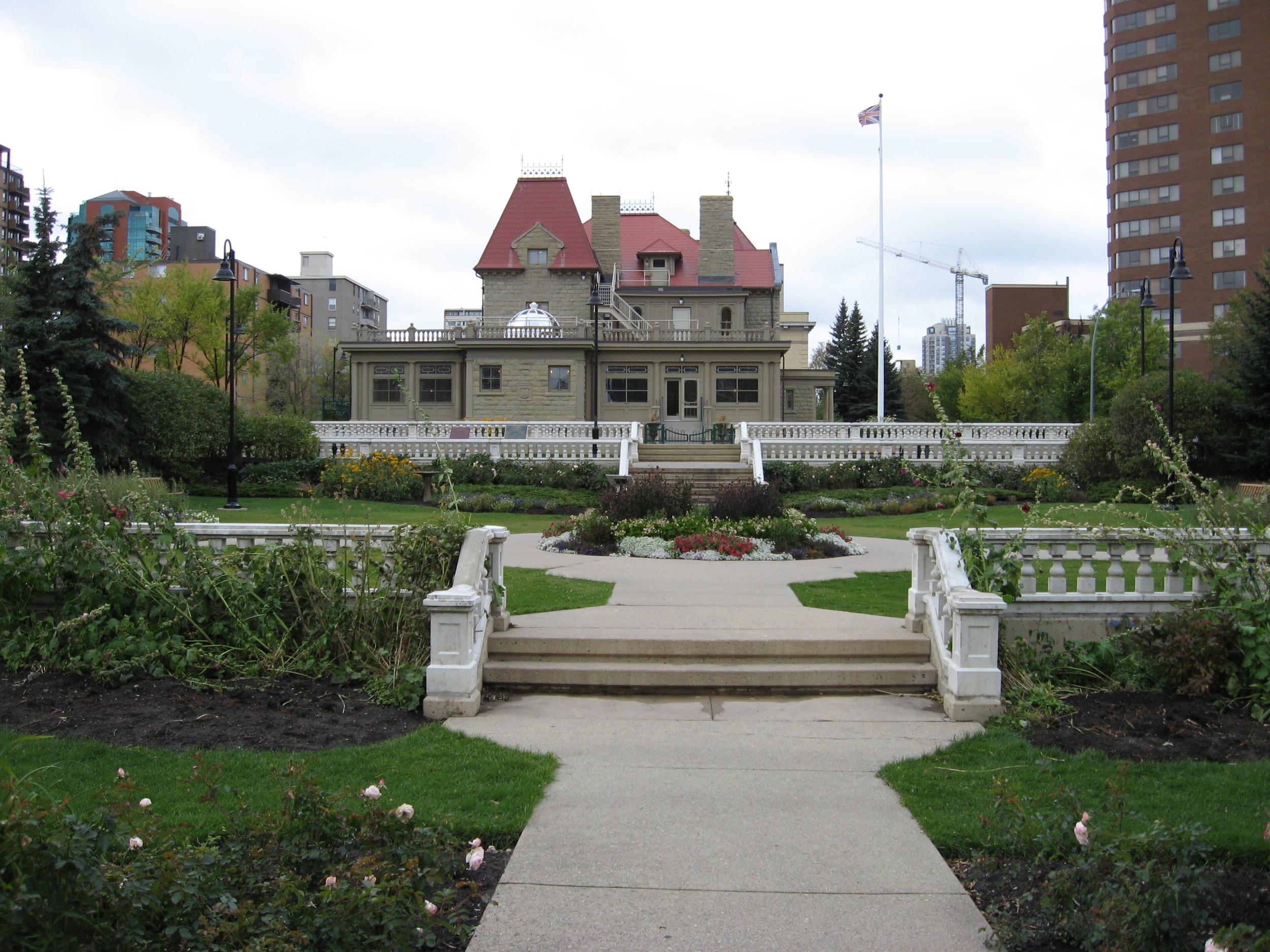 Lougheed House and Beaulieu Gardens