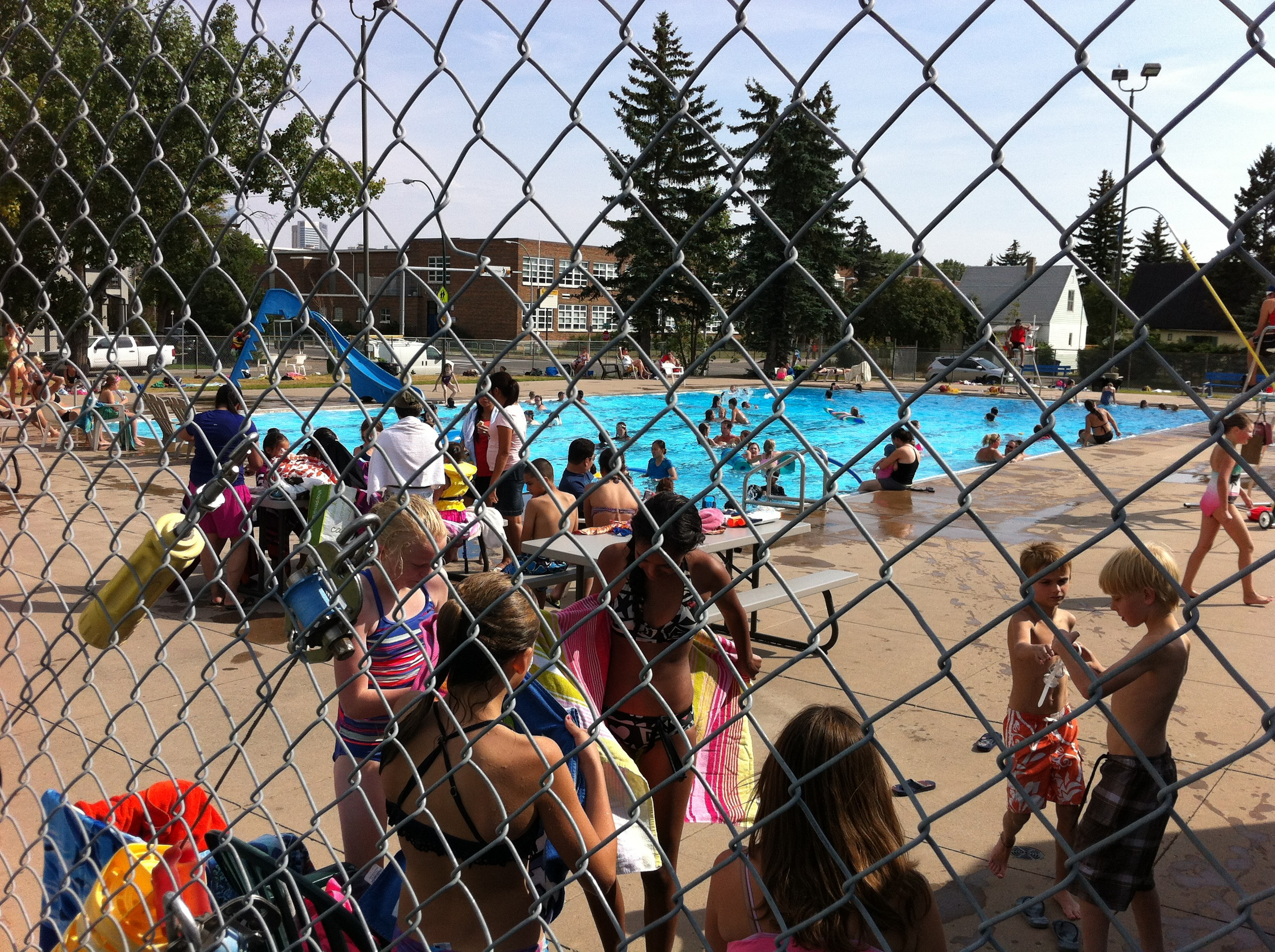 Bowview Pool is a hangout for babes of all ages.  It is a great family spot.