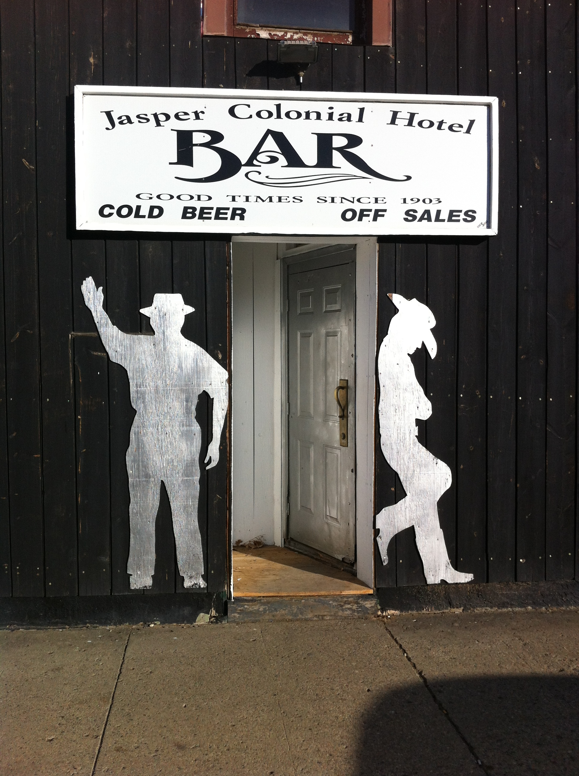 Great welcoming entrance to the historic Jasper Colonial Hotel bar...