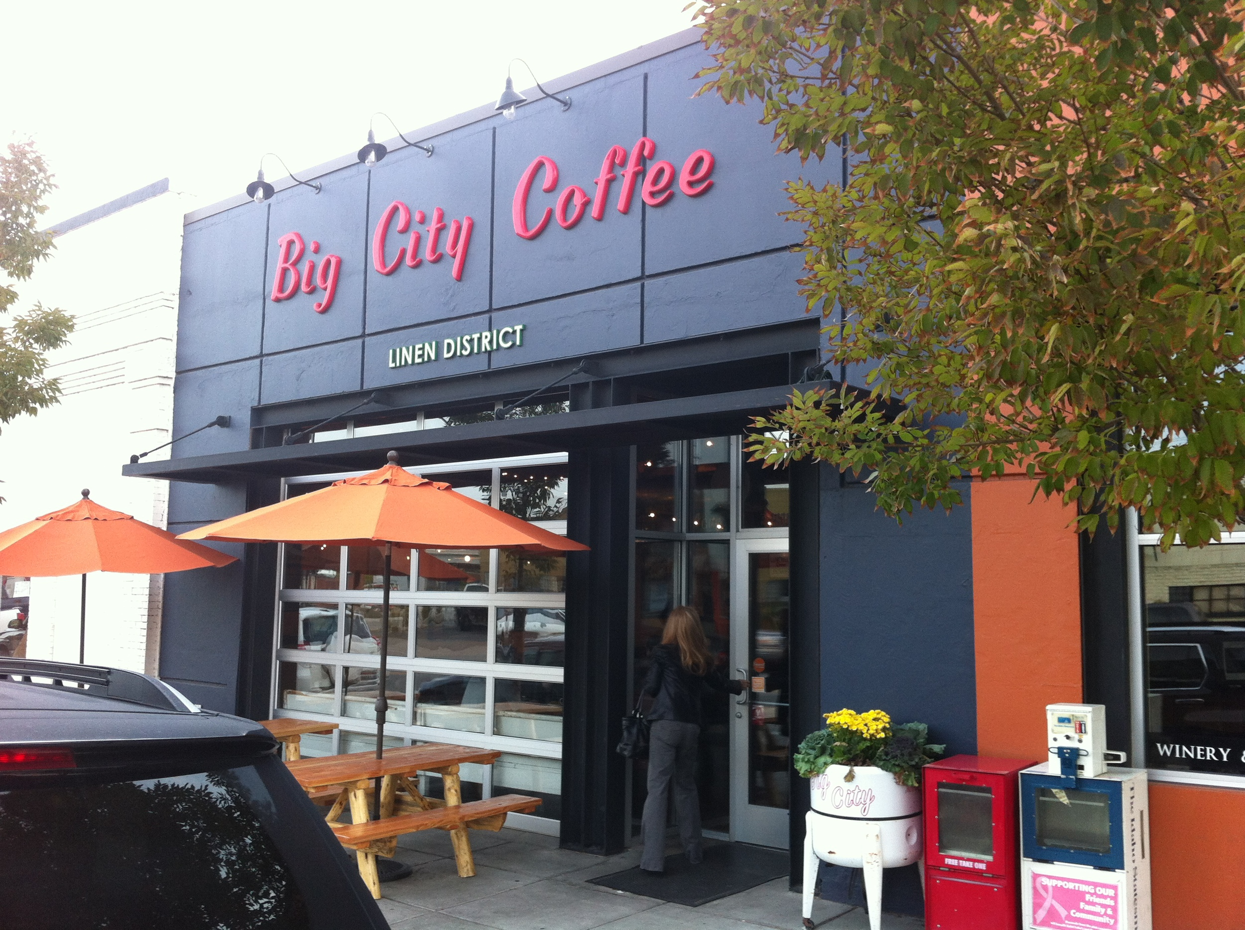 Big City Coffee has a great street appeal that makes it very welcoming.