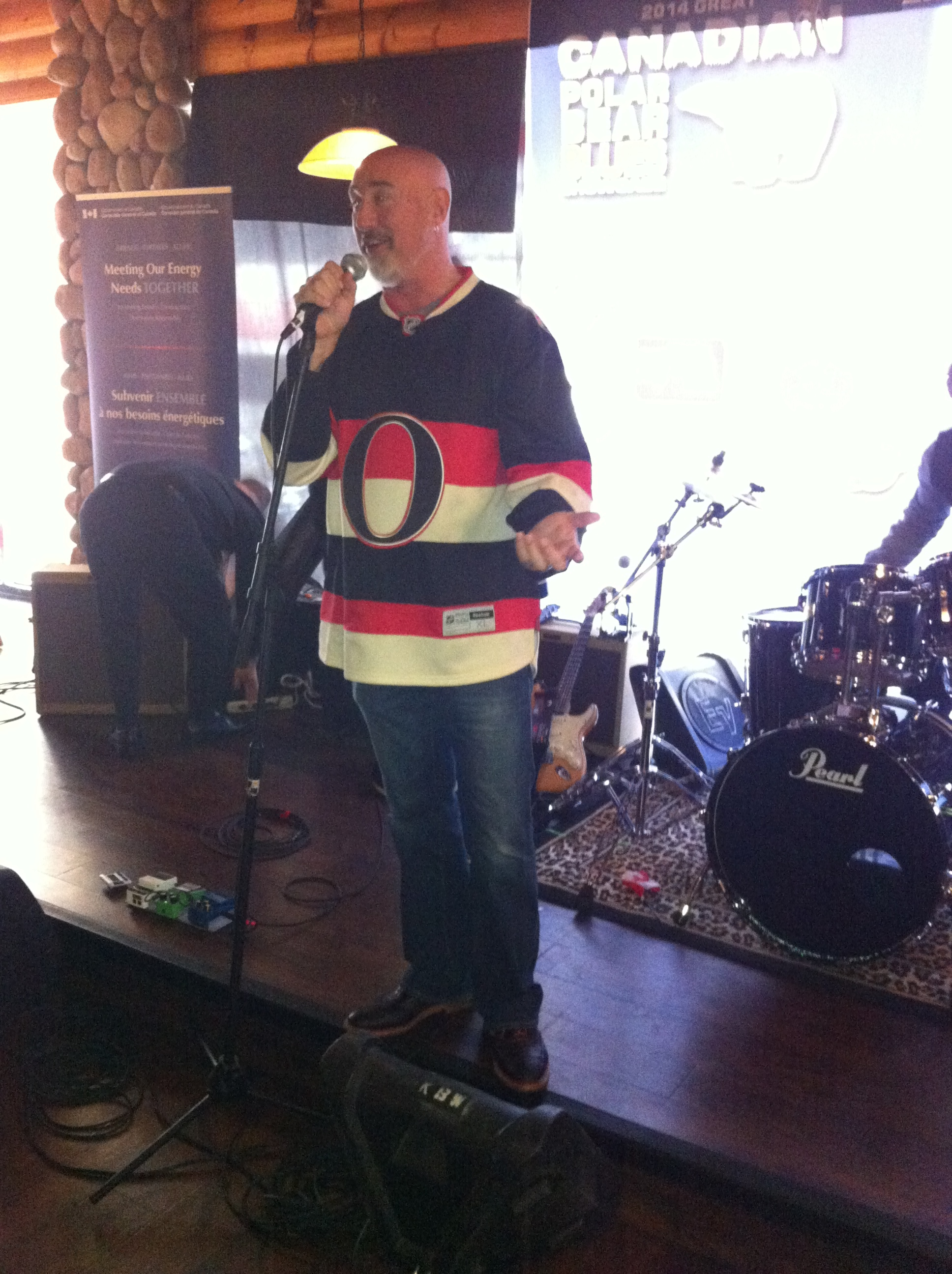 Kooky Canuck owner Shawn Danko welcomes everyone to the Polar Bear Jam.