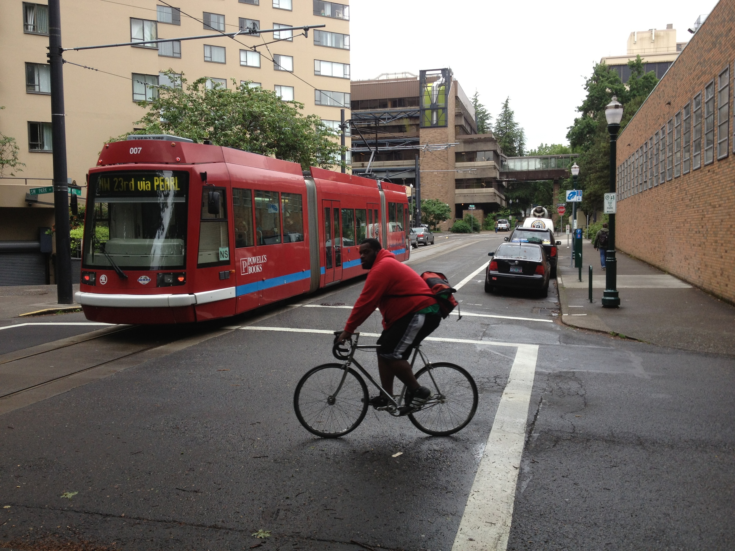 Cyclist in Portland not paying attention.