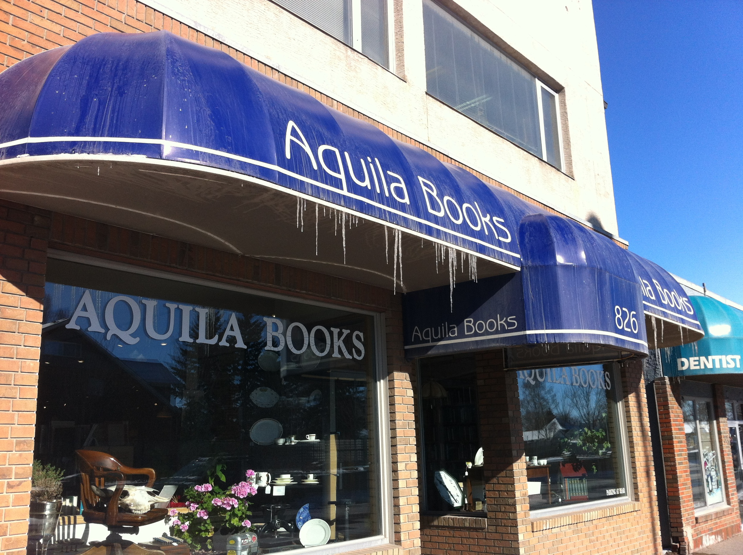 Aquila Books is the opposite of Phoenix Comics. It appeals to the intellectual geeks who love history.  Perhaps we should call 16th Ave N Geek Street!