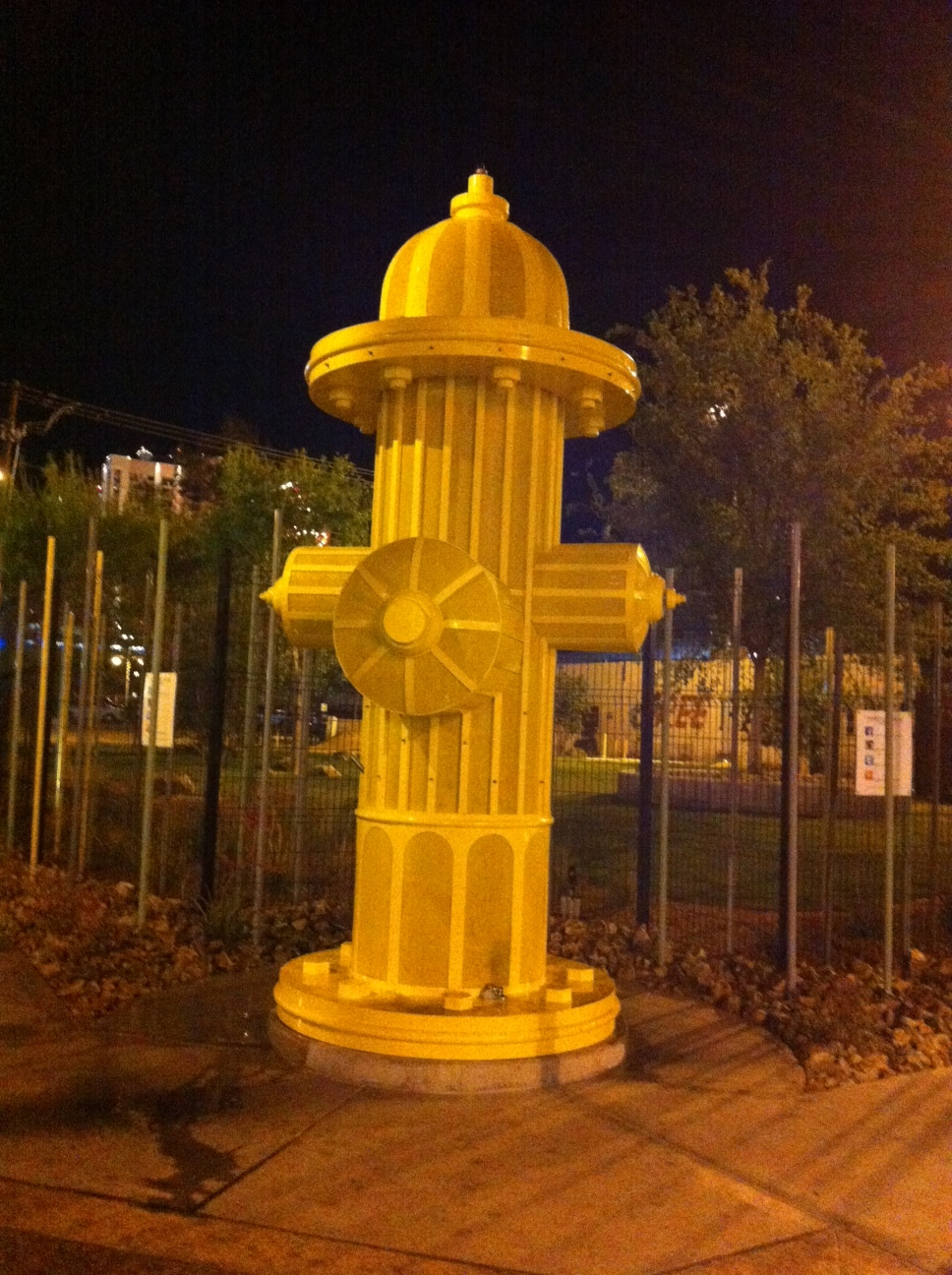 One night we wandered Freemont Street past Container Park and found this oversize fire hydrant. It was the gateway to the neighbourhood dog park. We love fun things like this; too often urban spaces are too minimal, too subtle and just plain too serious.