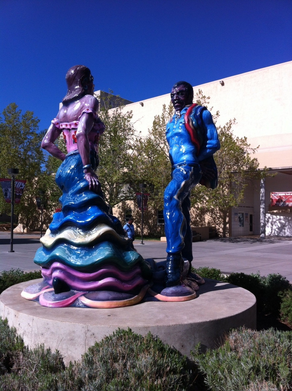 A colourful public artwork that fits with the Hispanic culture of the campus.