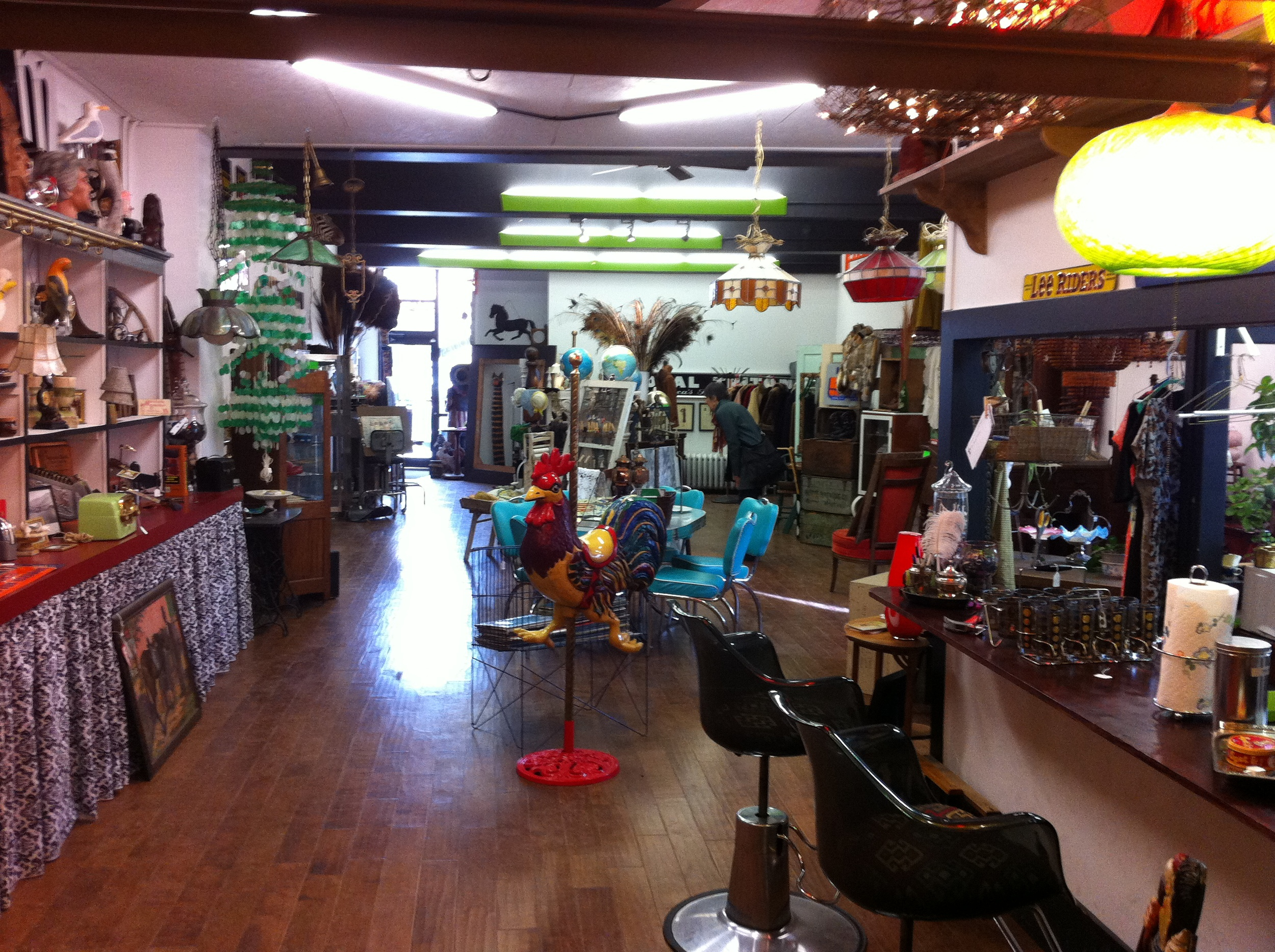 A view of the Sleepy Rooster's large showroom.