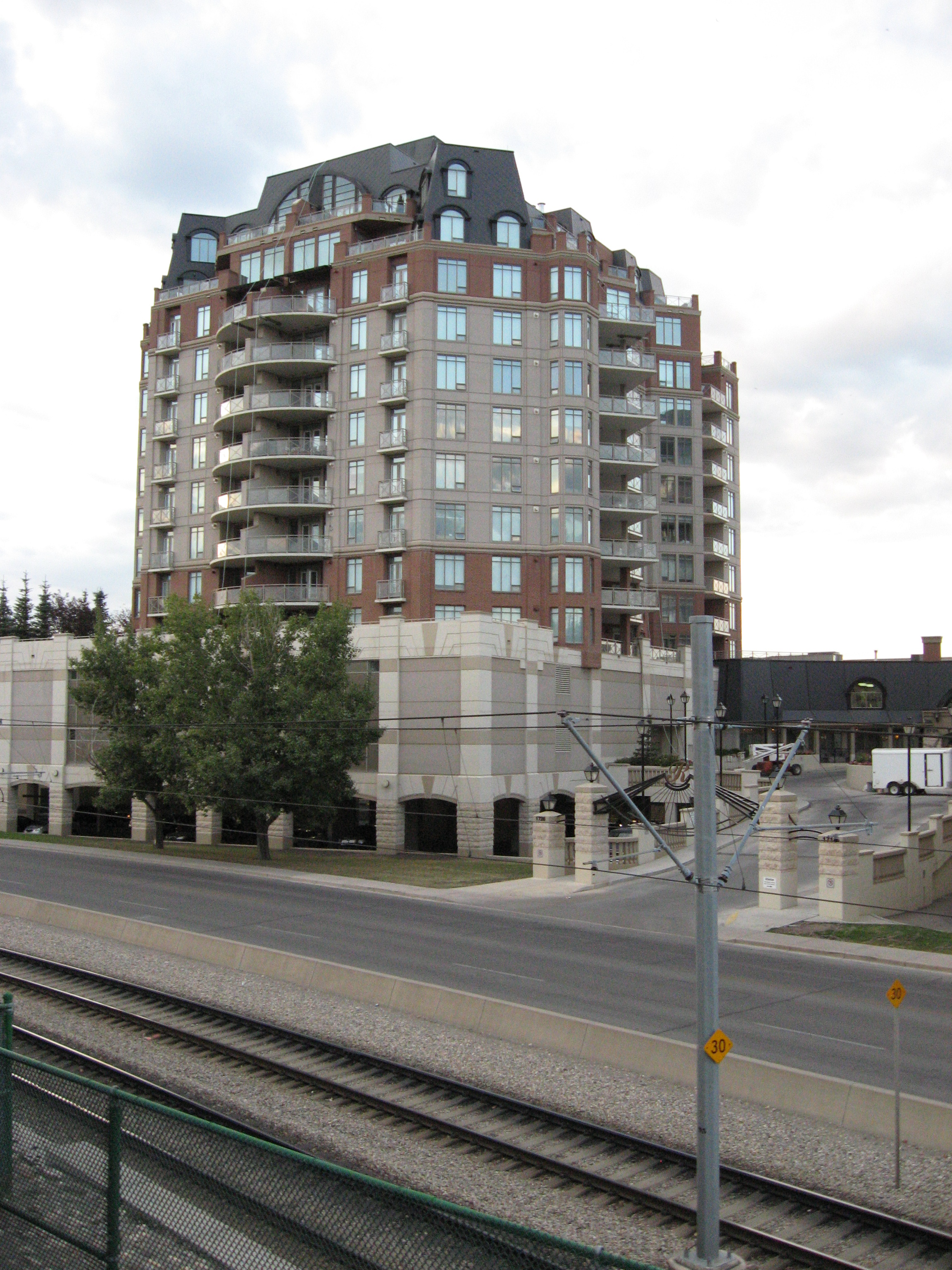 The Renaissance condos are attached to the North Hill shopping mall and are within l walking distance of SAIT and Lion's Park LRT Station.