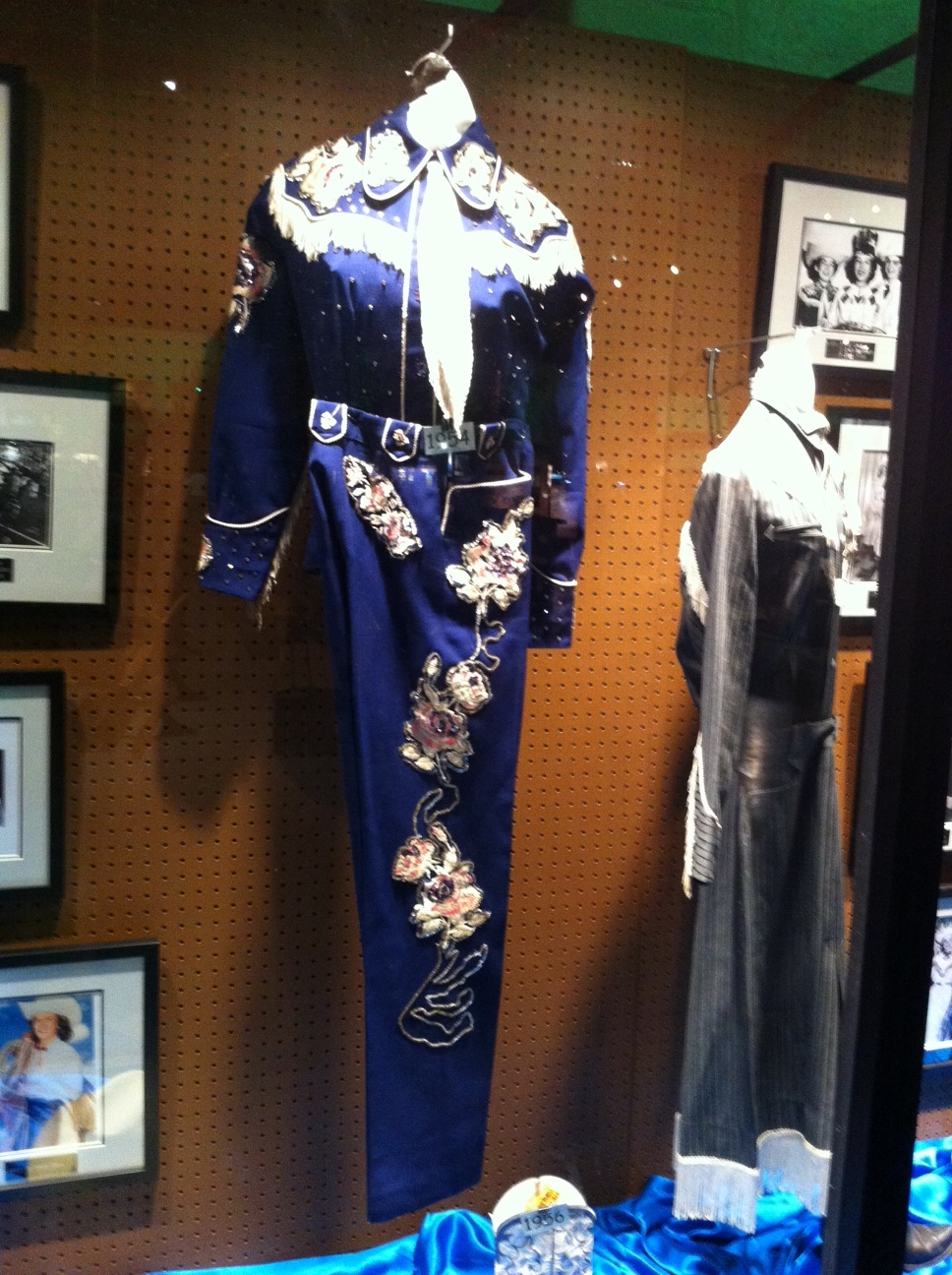 There is an wonderful exhibition of about 20 Stampede Queen outfits from the '50s to present day, each in their own display case.  It reminded me of the Elvis costumes i saw in Memphis at the STAX Museum of American Soul Music, Sun Studio Museum. Memphis Rock N' Soul Museum and Graceland.