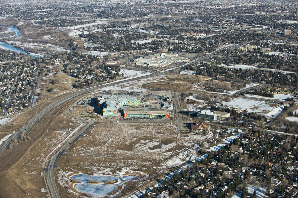 The 184 acres of underutilized land west of University of Calgary main campus is part of a bold development plan for a new urban district in Calgary's northwest. The development will create a dynamic new community with all net revenue going back to support University initiatives.