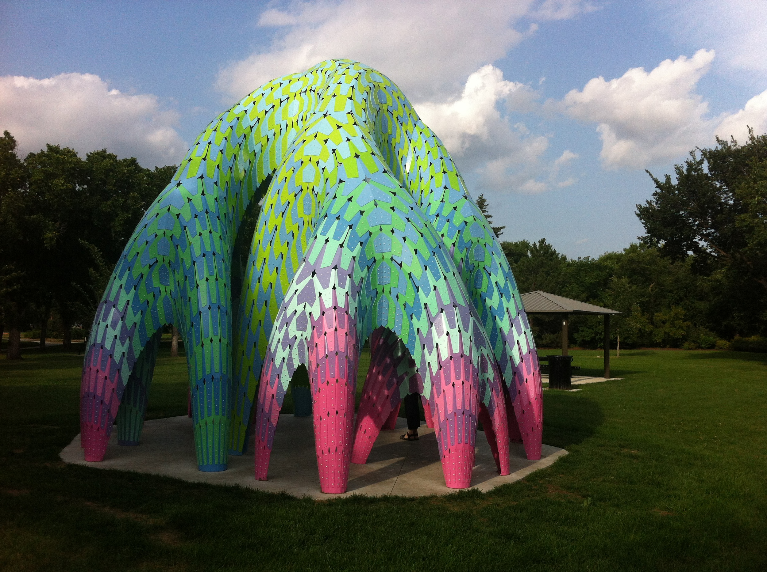 Willows (2014) by Marc Fornes is large and bold enough to capture park visitor's imagination.