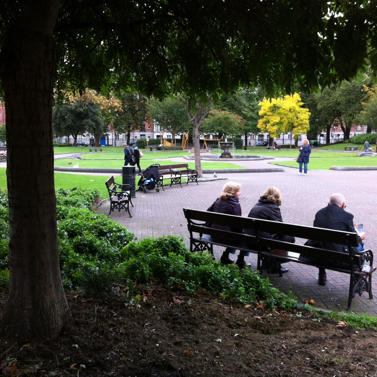 Parks and public space should invite people to sit and linger.
