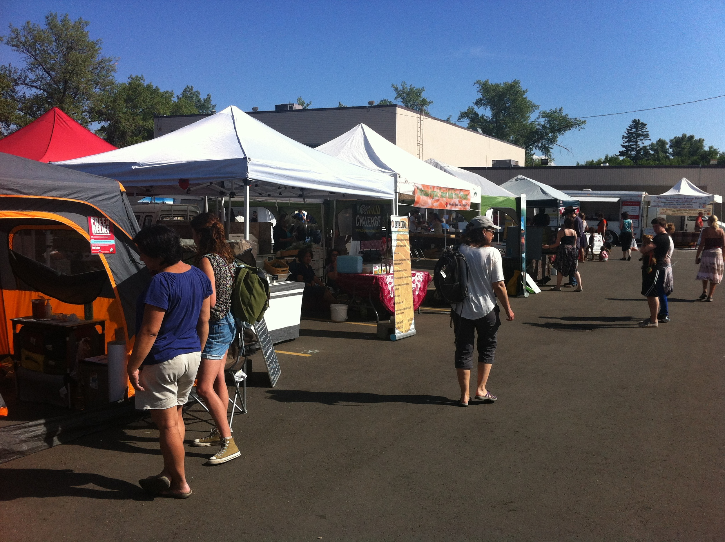 Neighbourhood farmers' markets are also popular in Calgary.