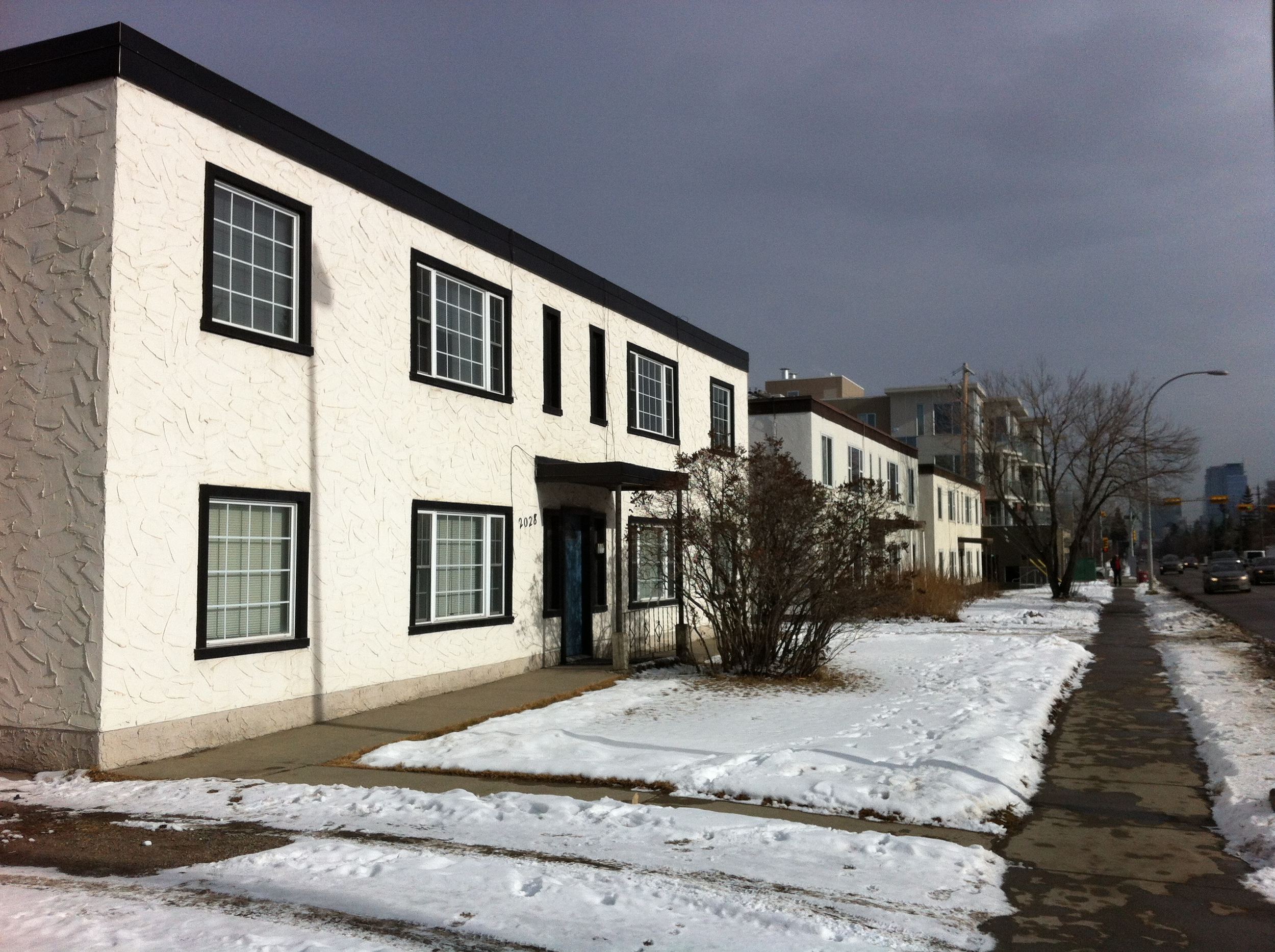 Many of the main street being studied have fragmented ownership like these apartments along Kensington Road, making it difficult to assemble sufficient land for a new mixed-use development.