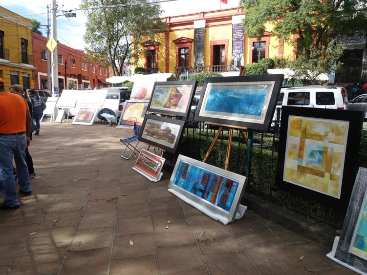 The Saturday Art Market in the Plaza San Jacinto hosts dozens of artists working in many different genres.