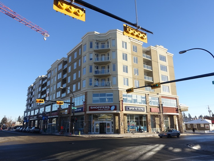 Treo@Marda Loop mixes retail, office and residential uses along 33rd Ave in Marda Loop.