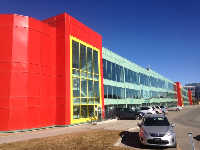 Alberta Children's Parkade uses bright colours and lots of large windows to create a cheerful atmosphere.