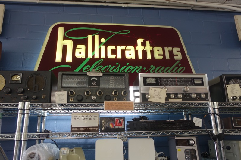 Vintage electronics at Top Drawer Thrift