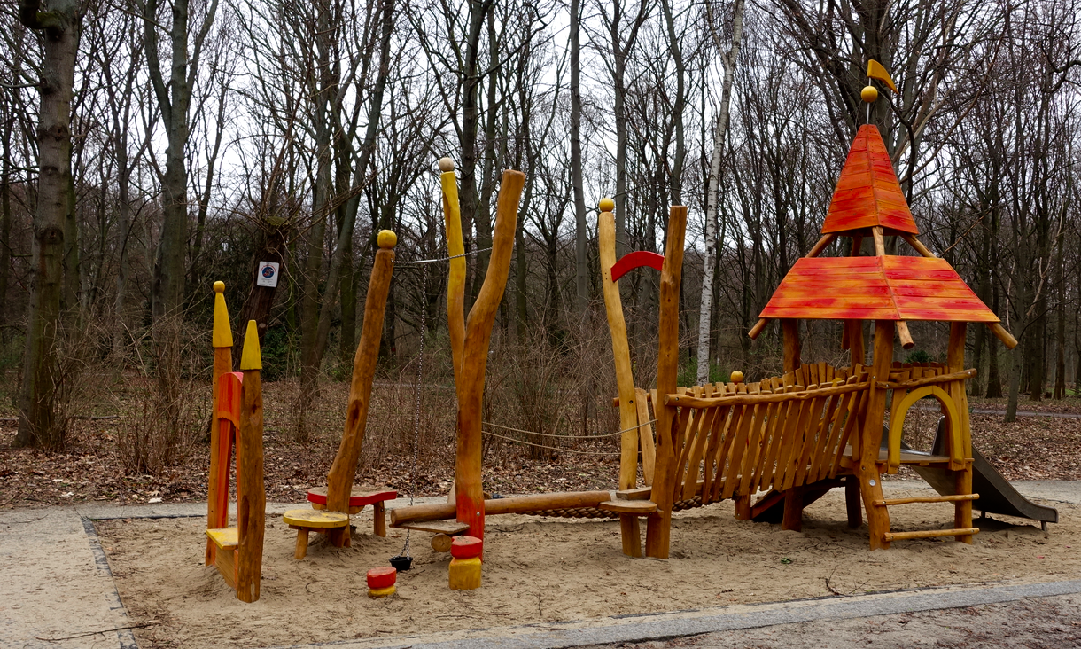 It was probably two weeks before I saw a new playground which had the same elements as the old ones just more colour. There is a strong sense of craftsmanship and being hand-made to these enchanting playgrounds. They look like something magical, out of a children's storybook.