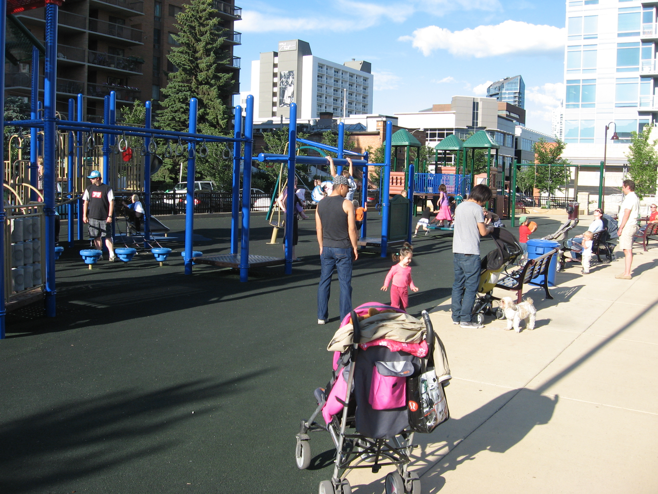 Calgary's City Centre boast dozens of children's playgrounds. I did't see a single playground in Nashville's City Centre.