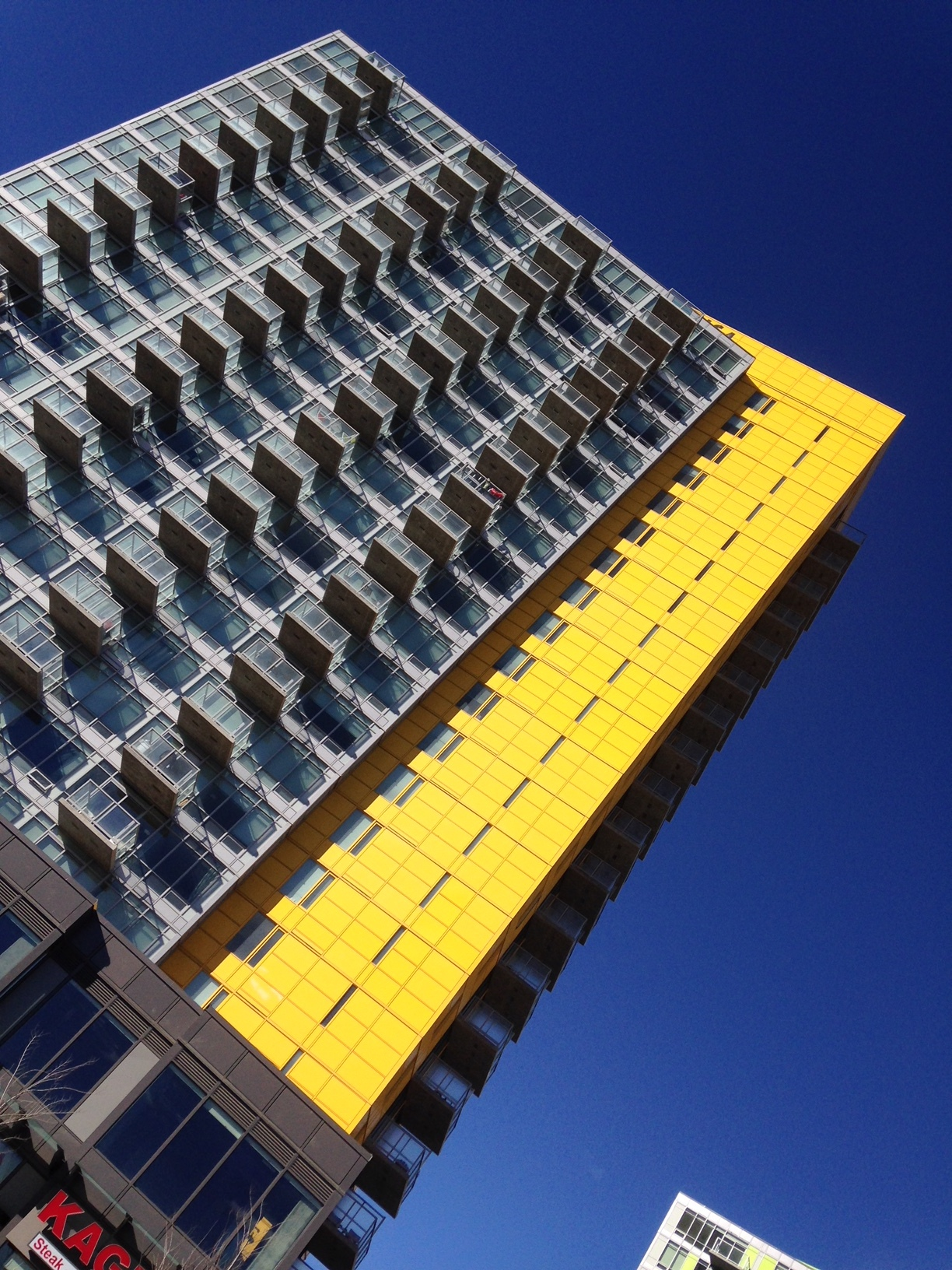 GEC Architecture utilized bold colours to create