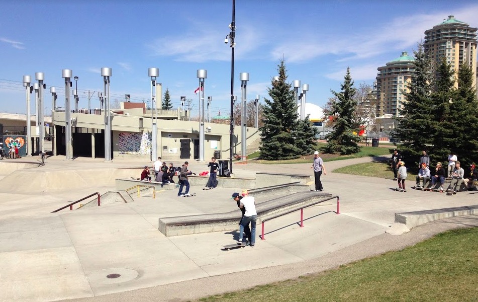 The skateboard part has three separate areas - beginners, intermediate and experts. It is one of the largest free public skate parks in the world.