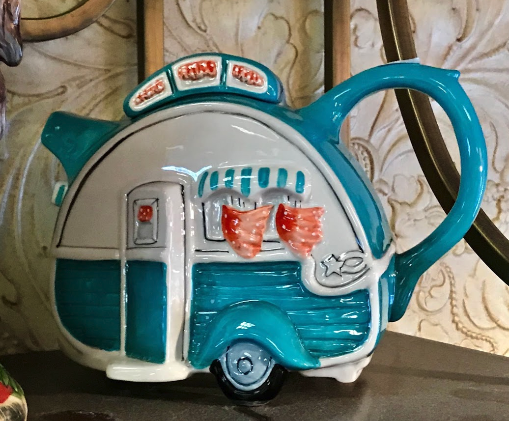 "This Boler trailer teapot was one fo the first ""too much fun"" teapots I spotted at Glenn's Family Restaurant."