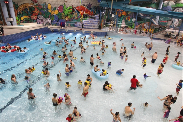 While Calgary has no beaches, it does have numerous pools, many with waterslides and a few with wave machines.