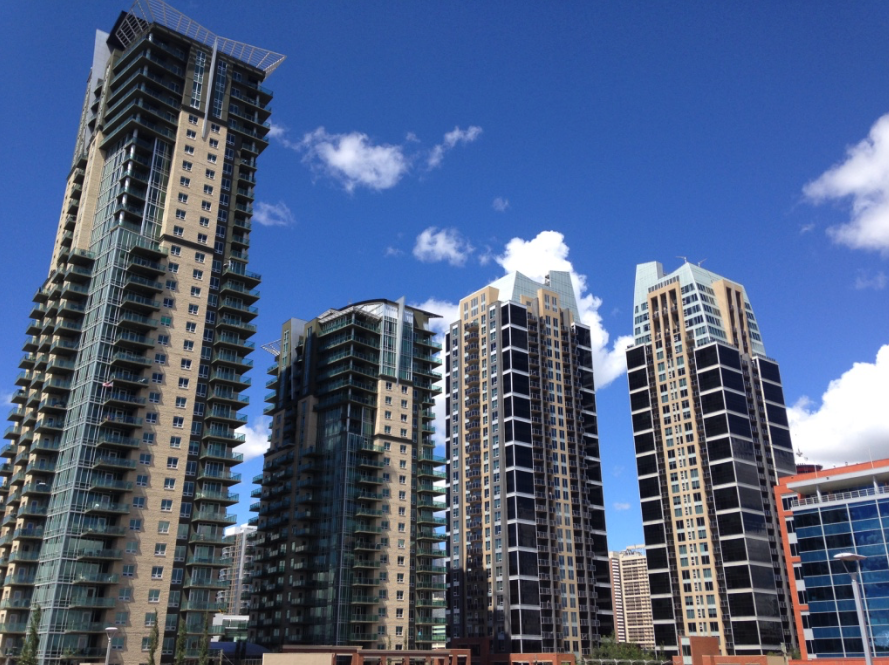Cove Properties built these four condo towers near the Stampede LRT Station in the early '00s in the east end of the Beltline aka Victoria Park.