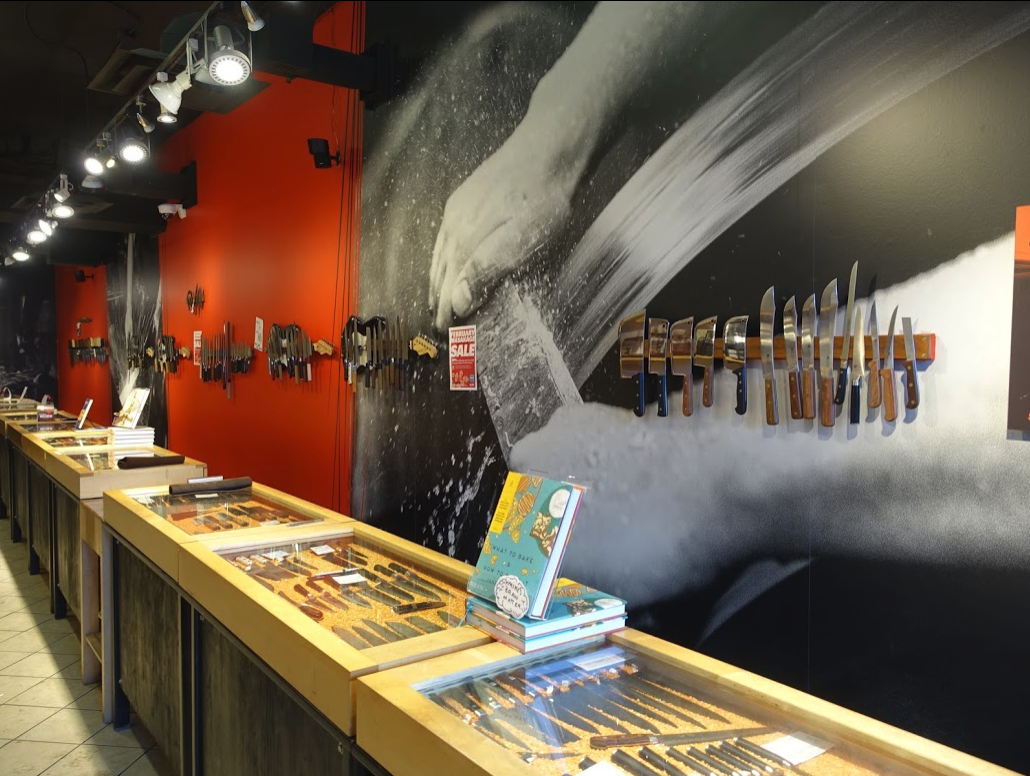Inglewood is home to Canada's Knifewear's flagship store as well as numerous other independent shops, restaurants, pubs and shops.