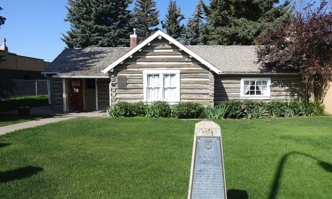 Next stop Cardston population 3,585. This log house was built by Charles Ora Card who in the autumn of 1887 led the first group of Mormons from Utah to Canada. It was one of the first buildings in the new Cardston townsite and remained for many years the centre of Cardston's development.