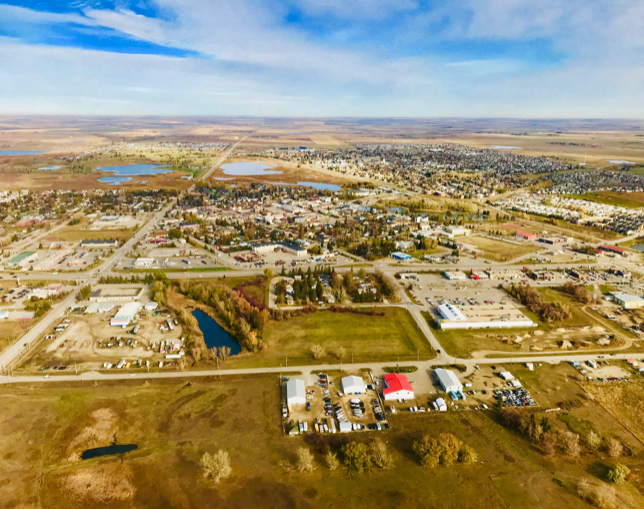 Strathmore offers an amazing array of amenities for a community that is only about 25 square kilometres.
