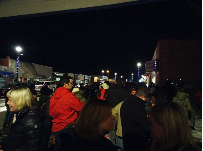 Strathmore has numerous community events like the annual Downtown Night Market and lighting of the Christmas Tree.